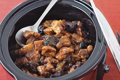 Рецепт свинины с черносливом в мультиварке - вкусный праздничный рецепт