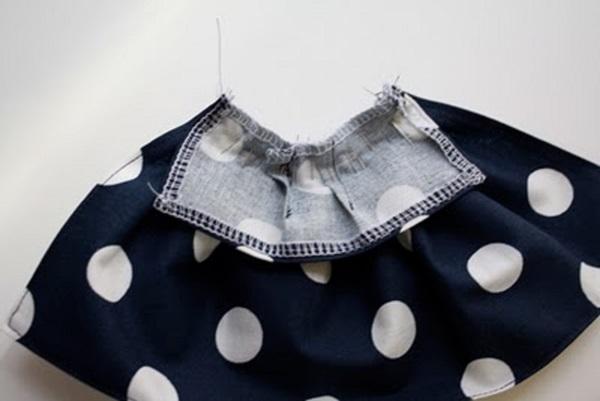 Видео как сделать одежду для кукол барби