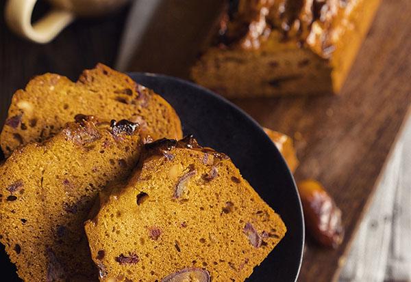 Рецепт изумительного сливочно-медового кекса с финиками и орехами