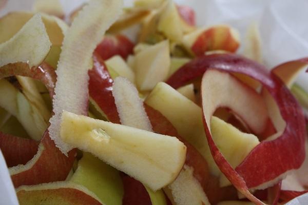 Очень вкусная шарлотка с яблоками