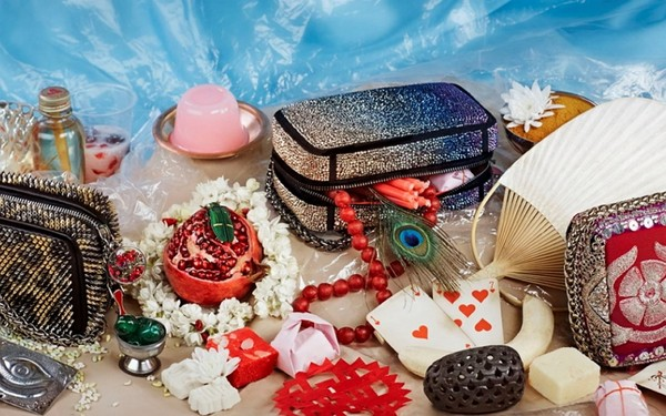 Подушка для Золушки: сумки-клатчи Piloutin от Christian Louboutin