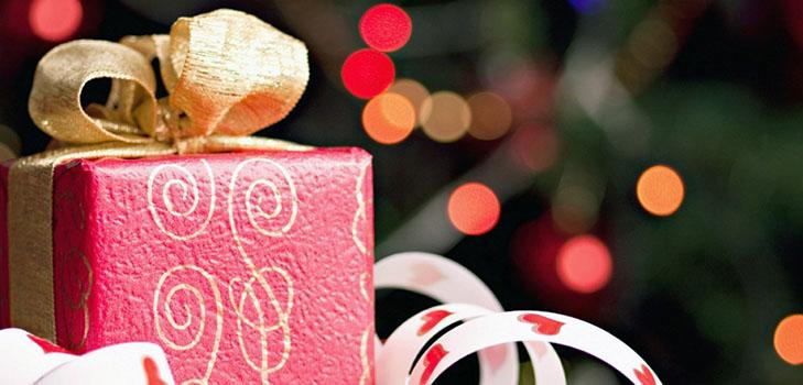 Без промаха: ТОП-3 новогодних подарков для стильных девушек