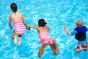 Средства для кристально чистой воды в вашем бассейне
