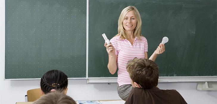 Стихи про учителей: красивые, трогательные до слез и смешные