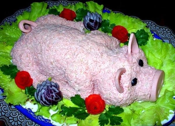 Салаты на Новый 2019 год Свиньи: простые и вкусные рецепты и украшения