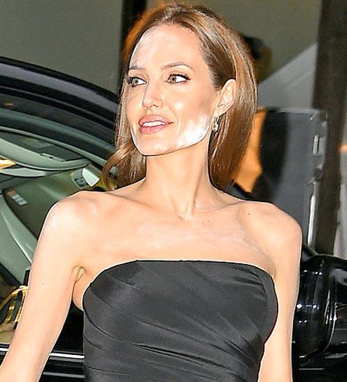 Макияжные курьезы знаменитостей - Анджелина Джоли