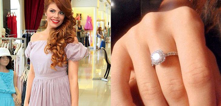 Муж Анастасии Стоцкой подарил ей кольцо с бриллиантом