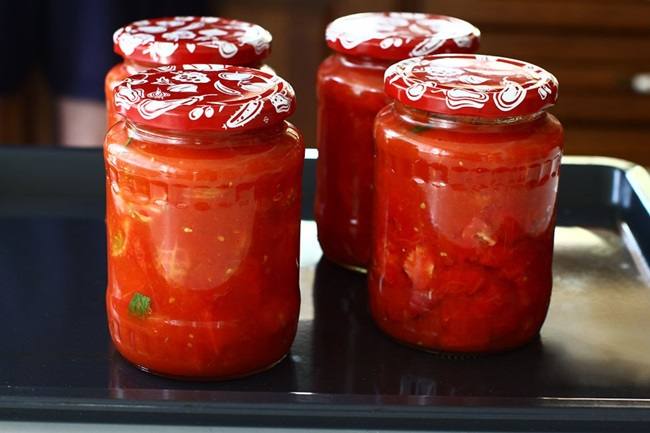 Помидоры в томатном соке: вкусные простые рецепты на скорую руку. Бонус-рецепт помидоров черри в томатном соку