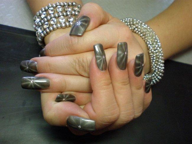 Лак для ногтей с магнитом