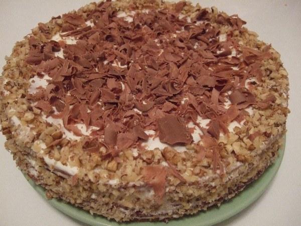 торт посыпанный шоколадом