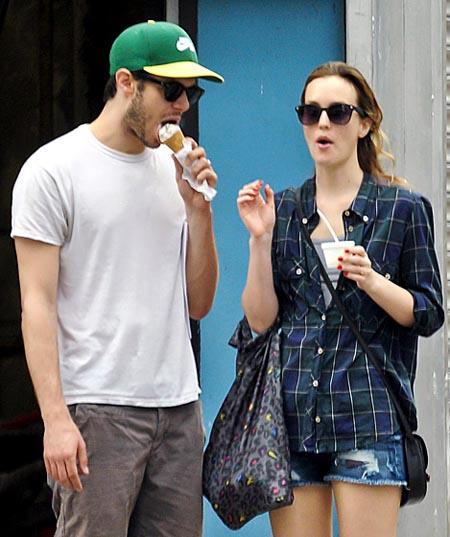 Знаменитости тоже любят мороженое