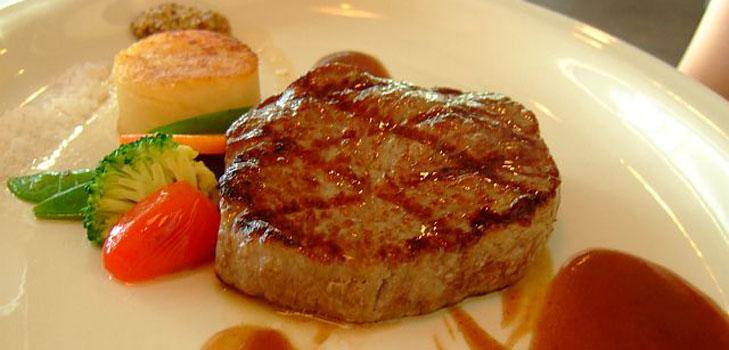 Говяжий стейк на кости в соусе барбекю , пошаговый рецепт с фото