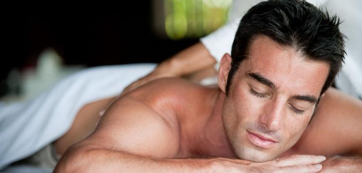 Расслабляющий массаж спины для мужчин техника