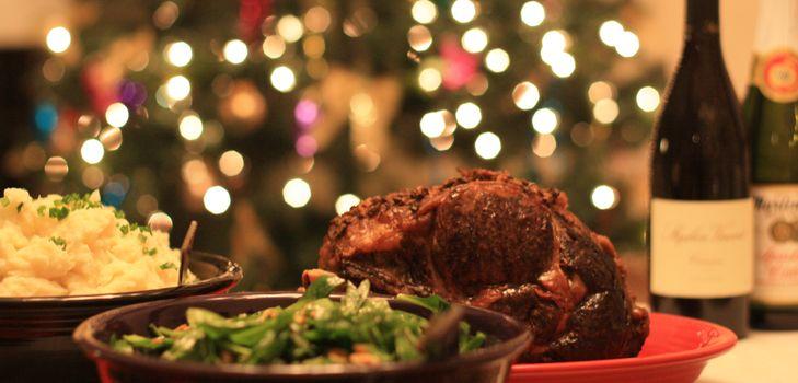 Хорошо встретить новый год помогут вкусные новогодние рецепты, разнообразные блюда на новый год, красивый новогодний стол , праздничное новогоднее меню подробней о новогодних блюдах, о том.