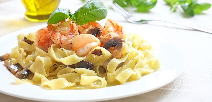 Паста с кабачком, петрушкой и креветками, пошаговый рецепт с фото