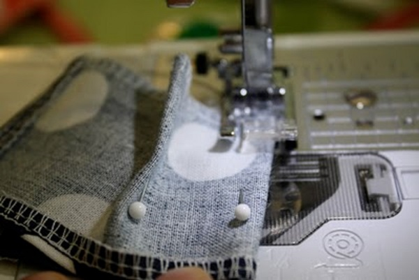 kak-sshit-odezhdu-dlya-kukol-6 Как сделать легко кукле одежду. Как сделать одежду для кукол своими руками, для Барби, для монстр Хай, для Лол
