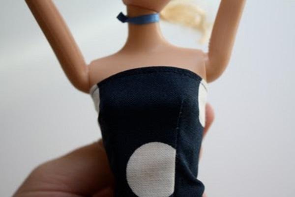 kak-sshit-odezhdu-dlya-kukol-7 Как сделать легко кукле одежду. Как сделать одежду для кукол своими руками, для Барби, для монстр Хай, для Лол