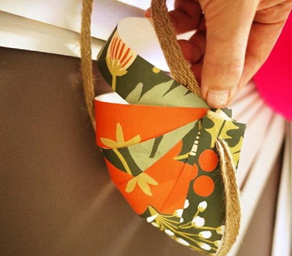kak-upakovat-podarok-v-podarochnuyu-bumagu-15 Как упаковать подарок в подарочную бумагу красиво и необычно: мастер-классы