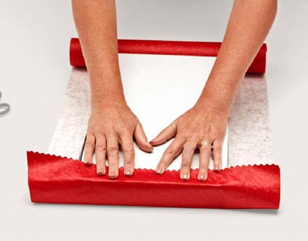 kak-upakovat-podarok-v-podarochnuyu-bumagu-3 Как упаковать подарок в подарочную бумагу красиво и необычно: мастер-классы