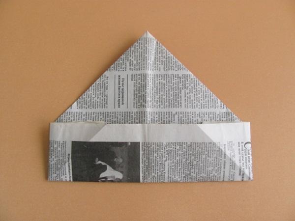 pilotka-iz-bumagi-svoimi-rukami-14 Как сделать пилотку 🤡 из бумаги своими руками