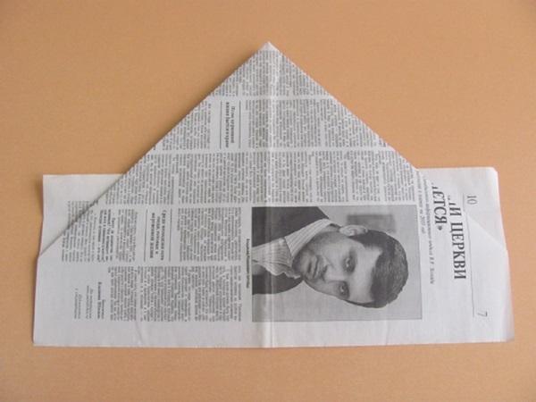 pilotka-iz-bumagi-svoimi-rukami-9 Как сделать пилотку 🤡 из бумаги своими руками