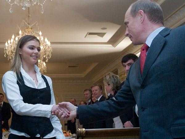 Старая и новая жены Путина сегодня: последние новости и сплетни
