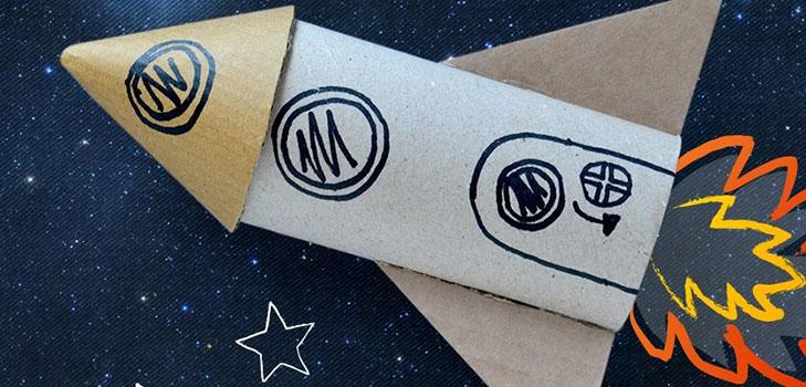 kak-sdelat-raketu-svoimi-rukami-1 Как сделать ракету своими руками из бумаги, картона, фольги, бутылки, спичек – схемы и модели. Как делать космическую ракету, которая летает — пошаговый мастер-класс