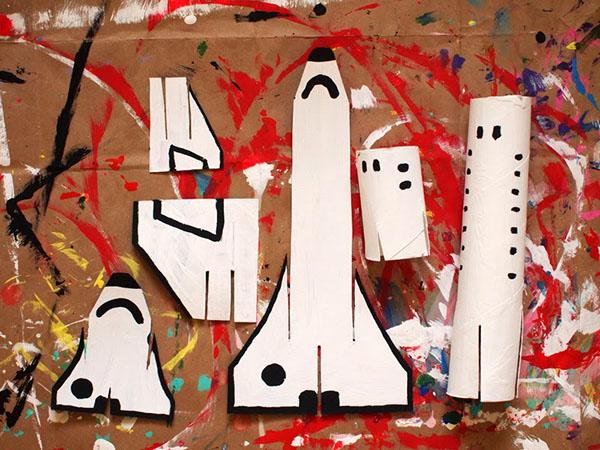 kak-sdelat-raketu-svoimi-rukami-18 Как сделать ракету своими руками из бумаги, картона, фольги, бутылки, спичек – схемы и модели. Как делать космическую ракету, которая летает — пошаговый мастер-класс