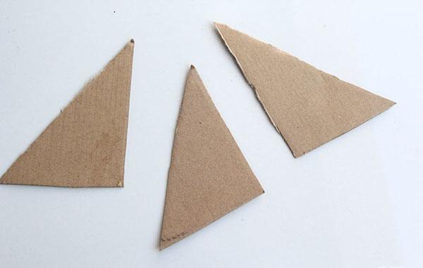 kak-sdelat-raketu-svoimi-rukami-26 Как сделать ракету своими руками из бумаги, картона, фольги, бутылки, спичек – схемы и модели. Как делать космическую ракету, которая летает — пошаговый мастер-класс