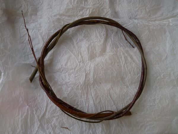 pletenie-iz-lozy-3 Особенности плетения корзин своими руками: заготовка лозы, инструменты и техники изготовления плетёных лукошек