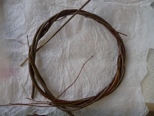 pletenie-iz-lozy-4 Особенности плетения корзин своими руками: заготовка лозы, инструменты и техники изготовления плетёных лукошек