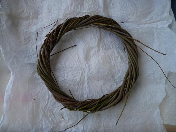 pletenie-iz-lozy-7 Особенности плетения корзин своими руками: заготовка лозы, инструменты и техники изготовления плетёных лукошек