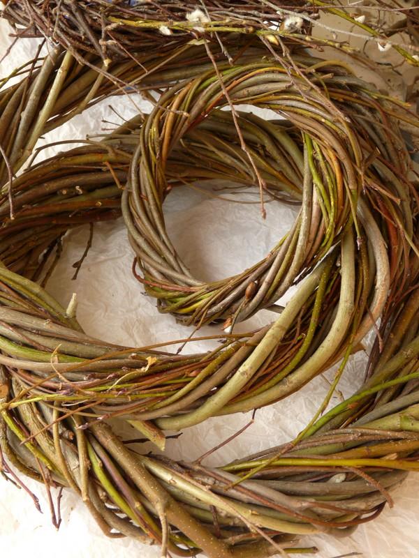 pletenie-iz-lozy-8 Особенности плетения корзин своими руками: заготовка лозы, инструменты и техники изготовления плетёных лукошек