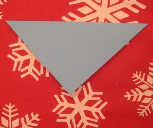 sneghinki-svoimi-rukami-12 Снежинки своими руками из бумаги: 100 схем вырезания снежинки из бумаги