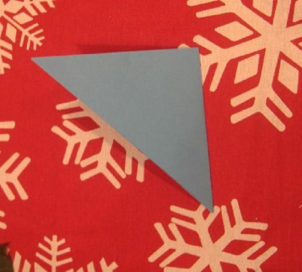 sneghinki-svoimi-rukami-14 Снежинки своими руками из бумаги: 100 схем вырезания снежинки из бумаги