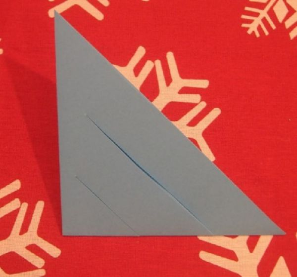 sneghinki-svoimi-rukami-15 Снежинки своими руками из бумаги: 100 схем вырезания снежинки из бумаги