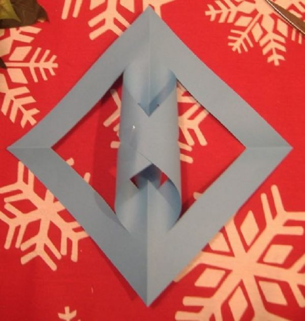 sneghinki-svoimi-rukami-17 Снежинки своими руками из бумаги: 100 схем вырезания снежинки из бумаги