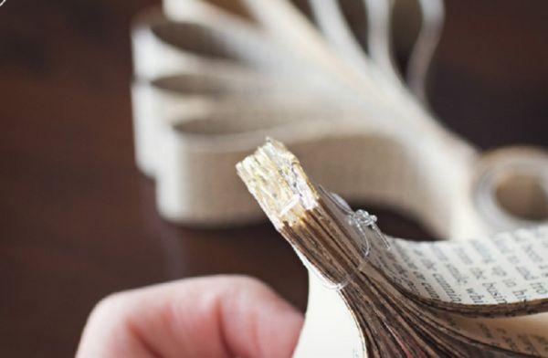 sneghinki-svoimi-rukami-36 Снежинки своими руками из бумаги: 100 схем вырезания снежинки из бумаги