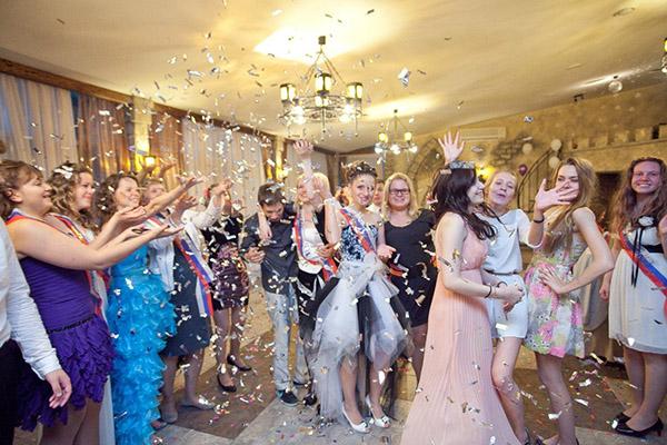 Поздравления на свадьбу от мамы молодым в прозе)