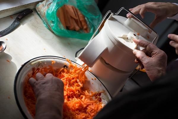 Самая вкусная капуста на зиму в банках — рецепты с уксусом и без него