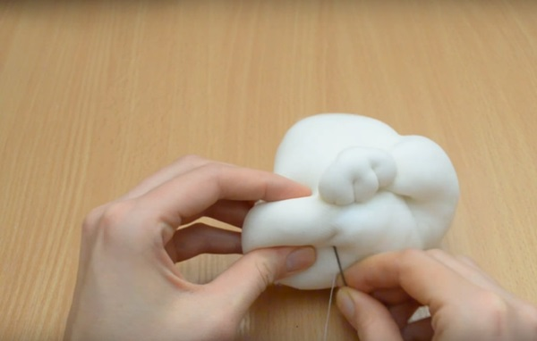 snegurochka-svoimi-rukami-8 Снегурочка своими руками: поделка в детский сад и школу || Снегурочка из капрона