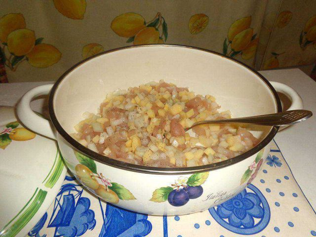 Вкусный минтай в духовке с картошкой, пошаговый рецепт с фото