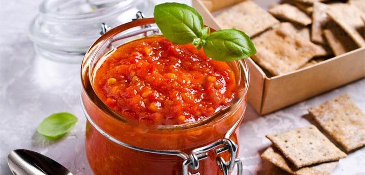 аджика с томатной пастой и болгарским