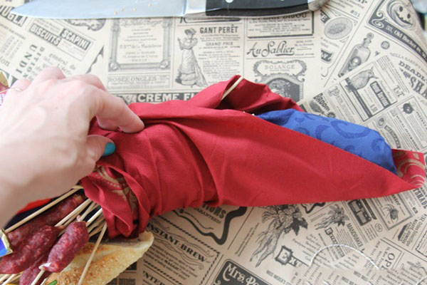 buket-dlya-muzhchin-svoimi-rukami-iz-piva-11 Как сделать пивной букет своими руками, пошагово. Букет пивной для мужчин фото, в кружке, в коробке, на 23 февраля