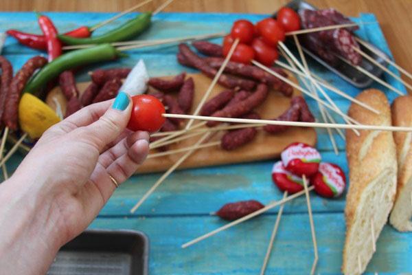 buket-dlya-muzhchin-svoimi-rukami-iz-piva-5 Как сделать пивной букет своими руками, пошагово. Букет пивной для мужчин фото, в кружке, в коробке, на 23 февраля