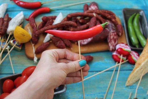 buket-dlya-muzhchin-svoimi-rukami-iz-piva-6 Как сделать пивной букет своими руками, пошагово. Букет пивной для мужчин фото, в кружке, в коробке, на 23 февраля