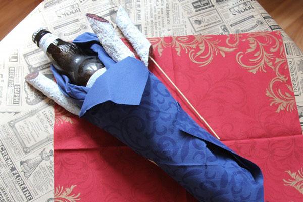 buket-dlya-muzhchin-svoimi-rukami-iz-piva-8 Как сделать пивной букет своими руками, пошагово. Букет пивной для мужчин фото, в кружке, в коробке, на 23 февраля