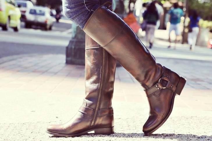 0f4c2663bbba Уроки стиля  с чем носить высокие сапоги на низком каблуке