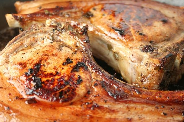 """Праздничное рагу из говядины в красном вине под """"крышкой"""" из рубленого теста, пошаговый рецепт с фото"""